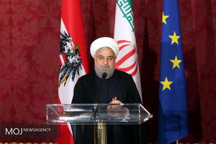 حجت الاسلام والمسلمین حسن روحانی