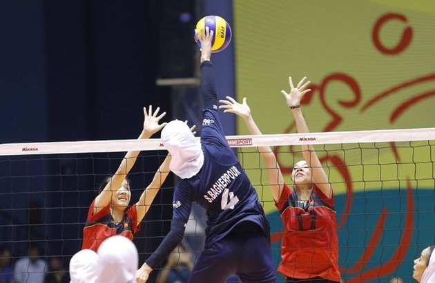 صعود بانوان والیبالیست امید ایران به یک هشتم نهایی آسیا