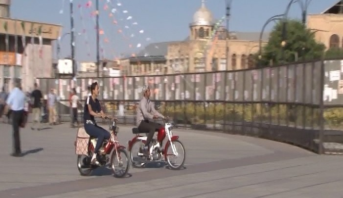 ایجاد  آلودگی صوتی موتورسواران در پیاده راه بوعلی همدان/جلوگیری از ورود موتورسیکلتها به پیادهراه بوعلی