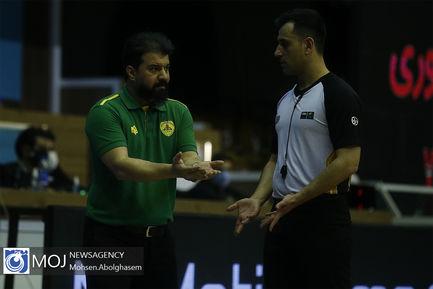 دیدار تیم های بسکتبال مهرام و پالایش نفت آبادان