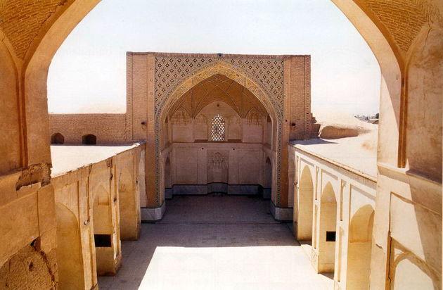 اتمام مرمت مسجد تاریخی نوش آباد