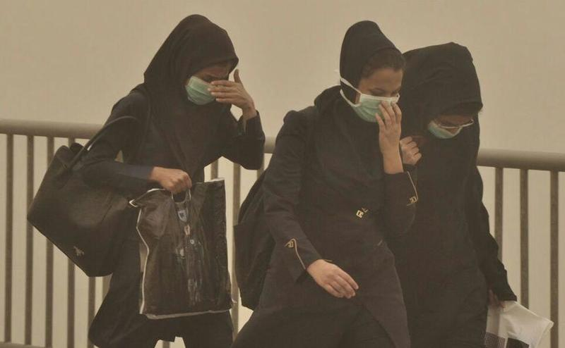 خاک دانش آموزان اهواز و حومه را محروم از مدرسه کرد