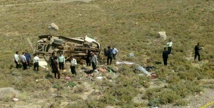 13 کشته درپی سقوط مینیبوس به دره در اصفهان
