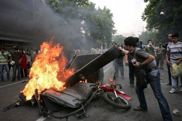 قانون مرز بین اعتراض و اغتشاش را مشخص کرده است