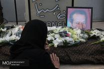 مراسم تشییع پیکر بازیگر سینما حسین شهاب از مقابل ساختمان شماره دو خانه سینما