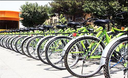 دوچرخه سواری نوروزی مسافران در اصفهان در ایام نوروز