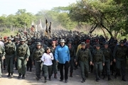 نیکلاس مادورو به ارتش ونزوئلا دستور آماده باش داد