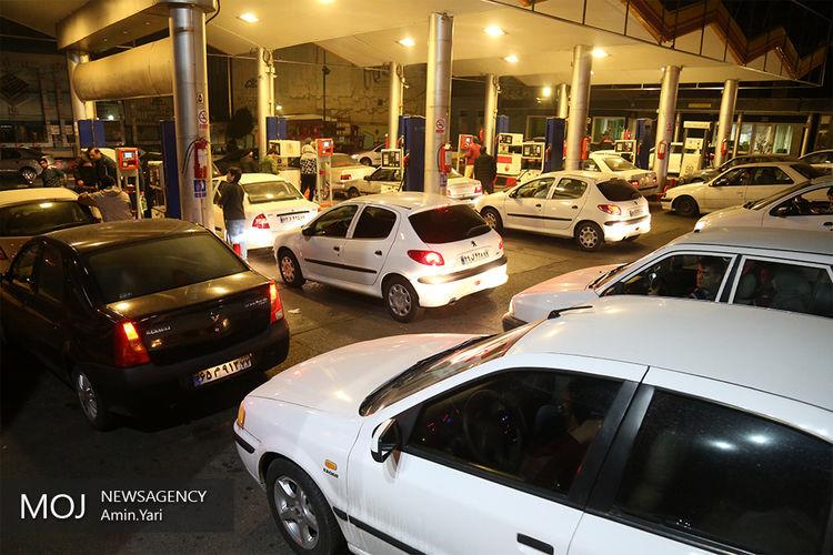 زنگنه موافق سهمیه بندی بنزین است/ مجلس با سهمیه بندی بنزین مخالف است