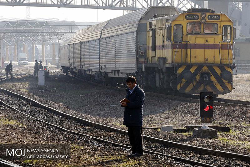 اجرای راه آهن ایران عراق با فاینانس بنیاد مستضعفان/اتصال ایستگاه های قطار حومه به شبکه شهری