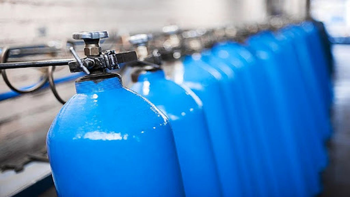 روزانه ۳۰۰ نفر در قم درخواست کپسول اکسیژن