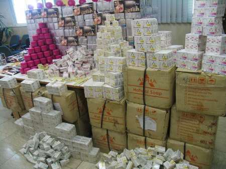 کشف محموله میلیاردی لوازم بهداشتی قاچاق در اصفهان