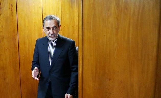«ایران در زمان رهبری امام خمینی(ره)» در نمایشگاه کتاب رونمایی شد