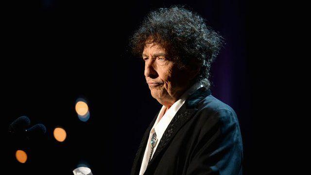 «باب دیلن» سرانجام حرف زد