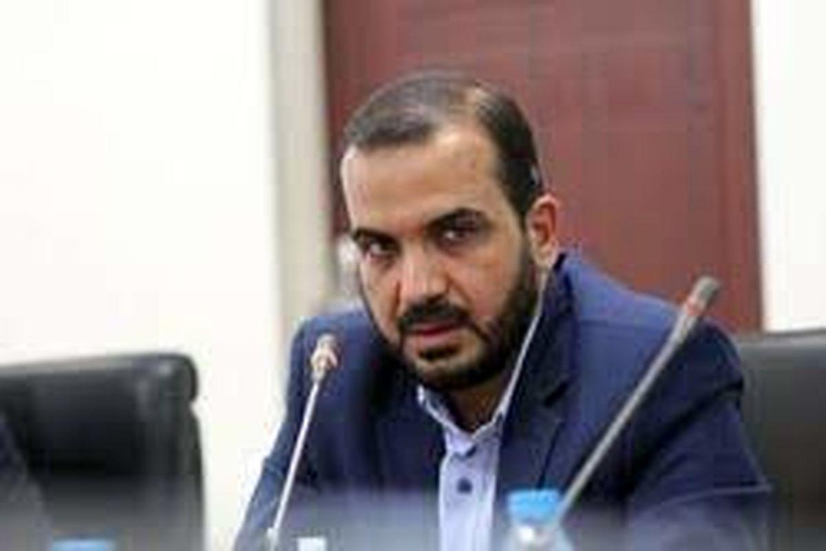 دولت مصالح ساختمانی را با قیمت دلار به مردمی که به ریال حقوق دریافت می کنند می دهد/ آقای روحانی! جلسه ای با وزرای خود در هتل کوبورگ برگزار کنید شاید مشکلات حل شود