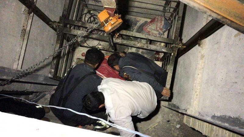 آسانسور شورای شهر همدان قربانی گرفت