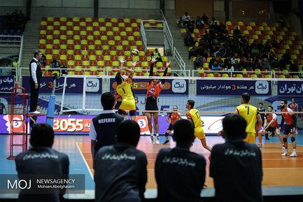 دیدار تیم های والیبال سایپا تهران و سارویه ساری