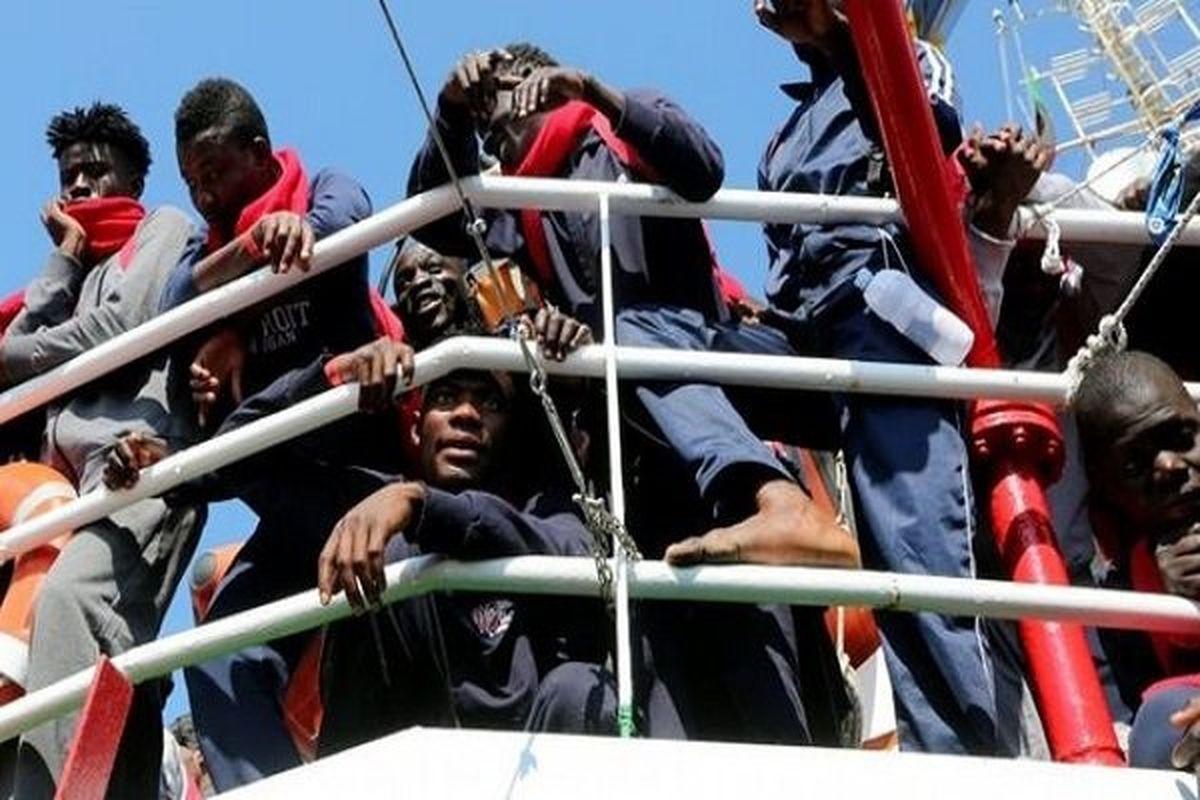 غرق شدن بیش از ۵۰ مهاجر در آب های تونس