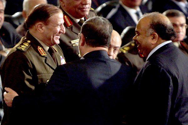 افسران ارتش مصر به اتهام حمایت از سامی عنان بازداشت شدند