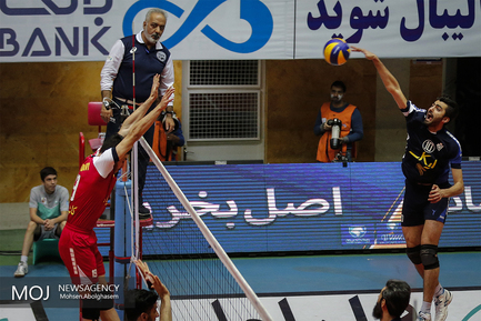 لیگ برتر والیبال دیدار تیمهای پیکان تهران و خاتم اردکان