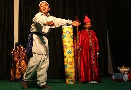 برگزاری مسابقات تئاتر درسی در میناب /شرکت 85 گروه در این مسابقات