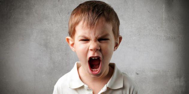 گاهی کودکان به مادر خشونت بیشتری نشان میدهند