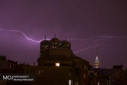 رعد و برق در تهران