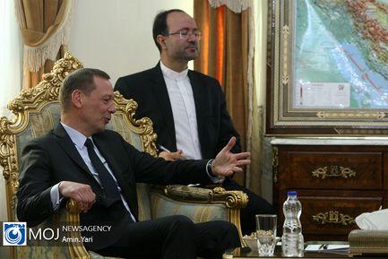 دیدار مشاور رییس جمهور فرانسه با شمخانی