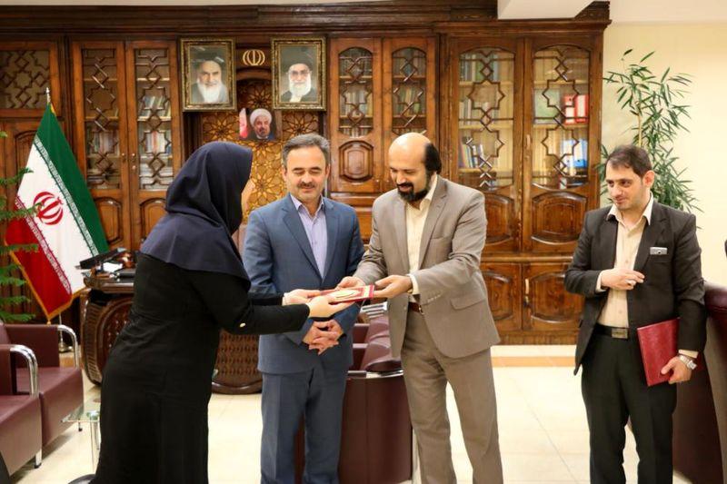 فاطمه فیلی بهعنوان رئیس جدید کتابخانههای عمومی لاهیجان معرفی شد