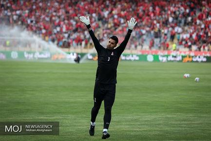 دیدار تیم های فوتبال استقلال تهران و تراکتورسازی تبریز
