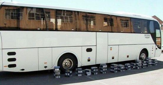 اتوبوس های حامل کالای قاچاق در بندرعباس توقیف شد