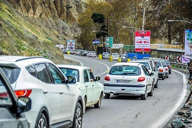 انسداد آزادراه چالوس - مرزنآباد به دلیل رانش زمین