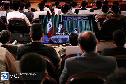 ارتباط تصویری دانشجویان با مقام معظم رهبری