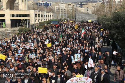 راهپیمایی+نمازگزاران+تهرانی+در+محکومیت+حوادث+روزهای+اخیر (1)