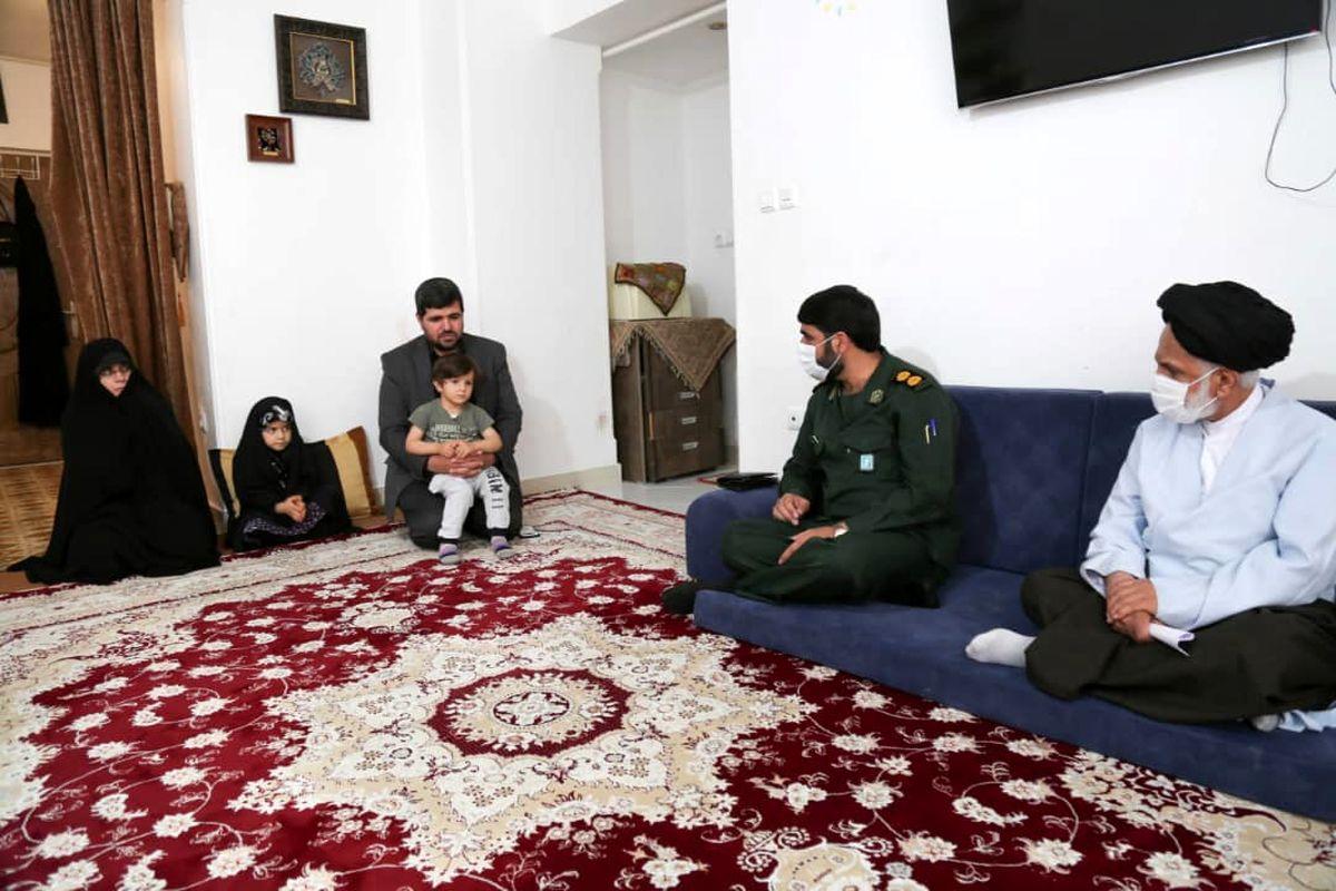 دیدار با خانواده جهادگر آسمانی شیخ احمد خسروی