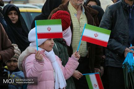 افتتاح اولین نمایشگاه عکس پرچم در اصفهان