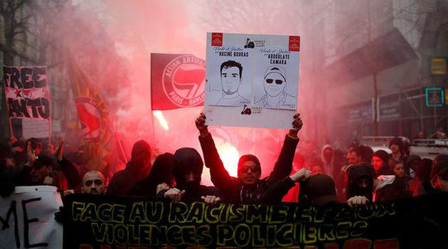 تظاهرات ضد پلیس پاریس به خشونت کشیده شد