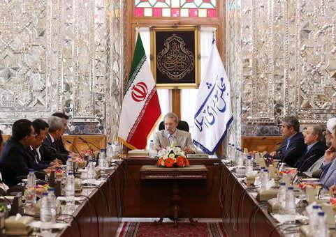 لاریجانی: ظرفیتهای زیادی برای همکاری اقتصادی میان ایران و اندونزی وجود دارد