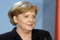 مرکل خواستار اتخاذ راهکاری برای سیاست های مهاجرتی به کشورهای اروپایی شد