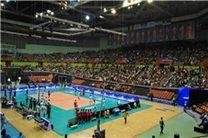 تشویق بیامان والیبالیستهای ایران/ سالن آزادی هنوز پر نشده است