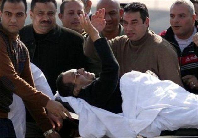 «حسنی مبارک» از بیمارستان به منزل شخصی خود منتقل شد