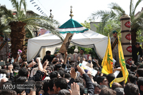 استقبال مردم از پیکر شهید حججی در دانشکده پرواز اصفهان