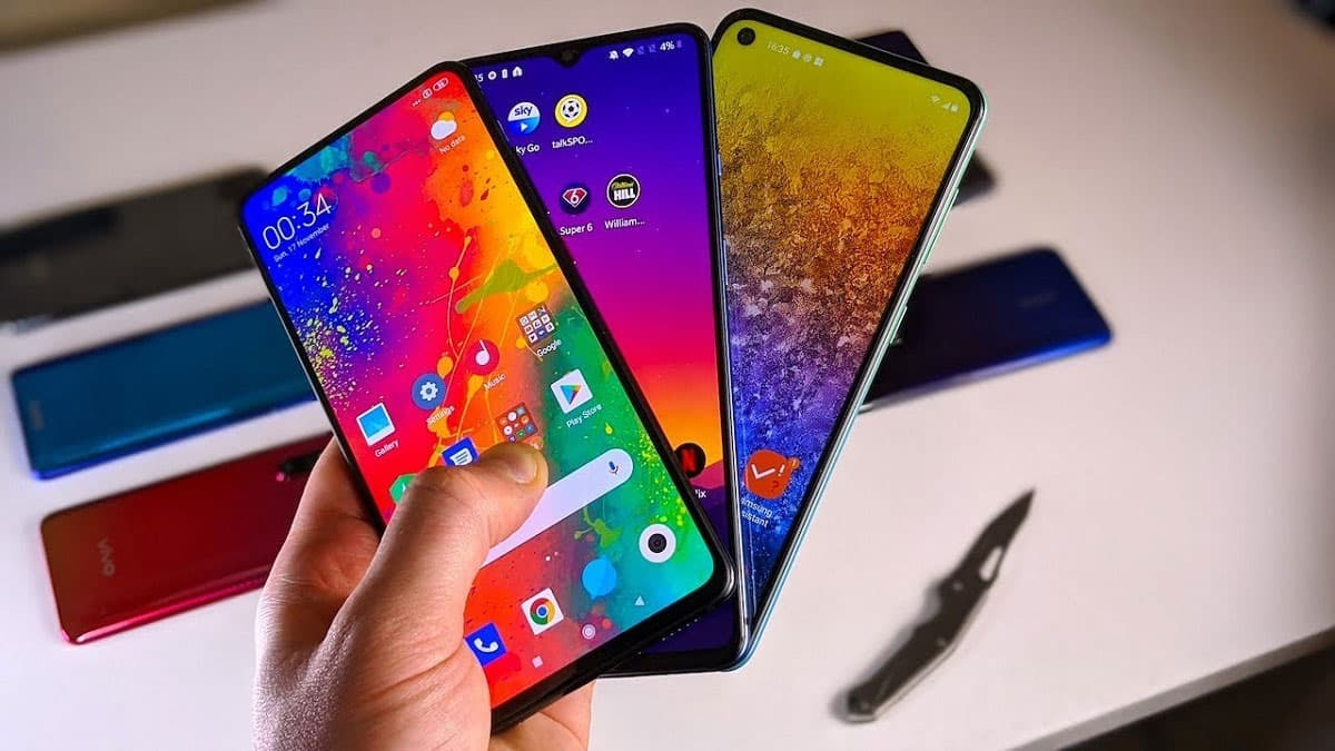 واردات ۱.۷ میلیارد دلار گوشی تلفن همراه در ۱۰ ماه نخست سال