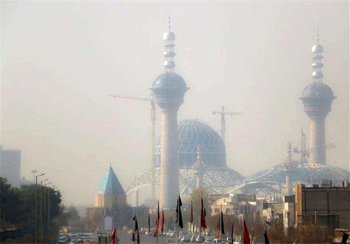 کیفیت هوای اصفهان همچنان برای گروههای حساس ناسالم است