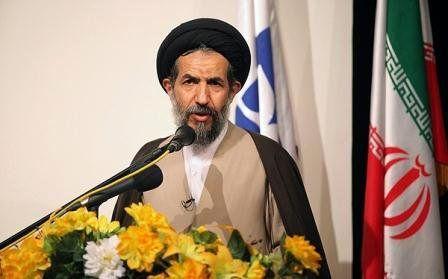 امام خمینی(ره) در برابر دشمنان نفوذناپذیر بود