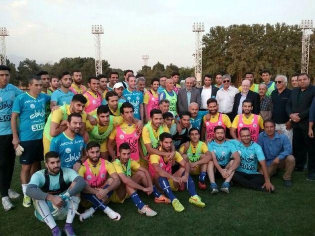 حضور وزیر ورزش در تمرین استقلالیها و خواسته منصوریان