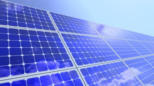 بررسی تخصصی سلولهای خورشیدی نانوساختار در دانشگاه شریف