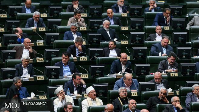 طاهرخانی و انارکی عضو ناظر مجلس در ستاد مبارزه با قاچاق کالا و ارز شدند
