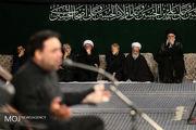 مراسم عزاداری شب عاشورای حسینی با حضور رهبر انقلاب آغاز شد