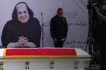 مراسم تشییع پیکر فرشته طائرپور برگزار شد/نگرانی اهالی سینما از فقدان فرشته سینمای ایران