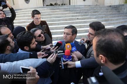 حاشیه جلسه هیات دولت - ۱۹ دی ۱۳۹۷ /عبدالناصر همتی رییس کل بانک مرکزی